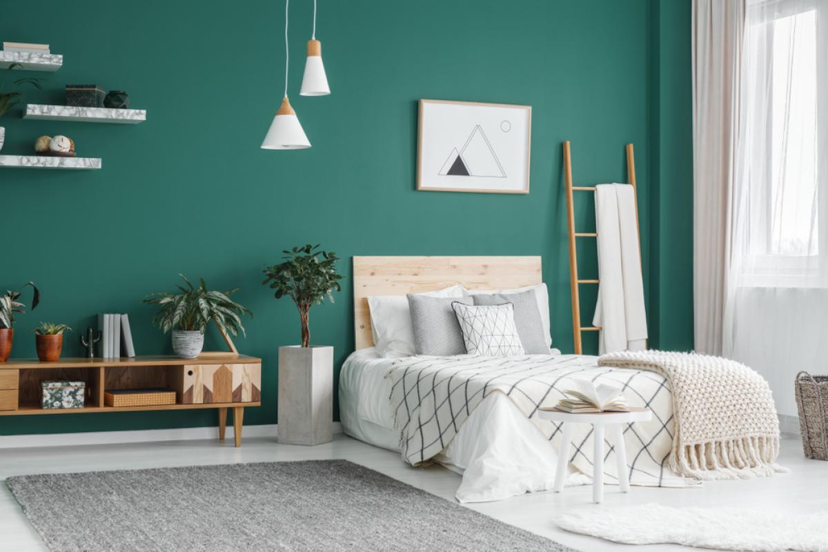 Une chambre meublée