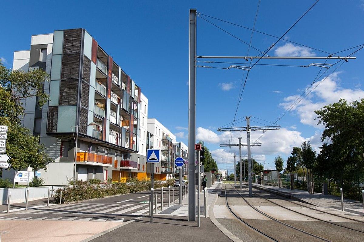 "La station de tramway ""Les Pins"", à Mérignac"