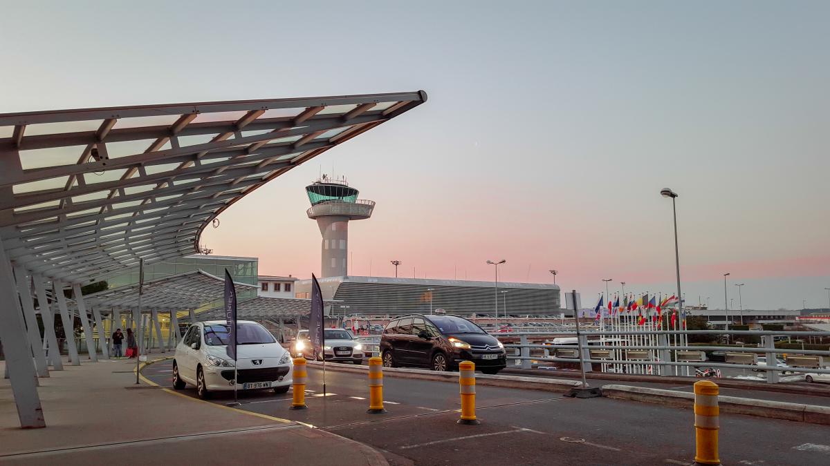 investir bordeaux - L'aéroport international de Bordeaux-Mérignac