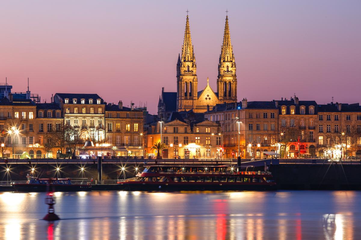 investissement locatif bordeaux - Vue sur Saint-Louis des Chartrons depuis la Garonne