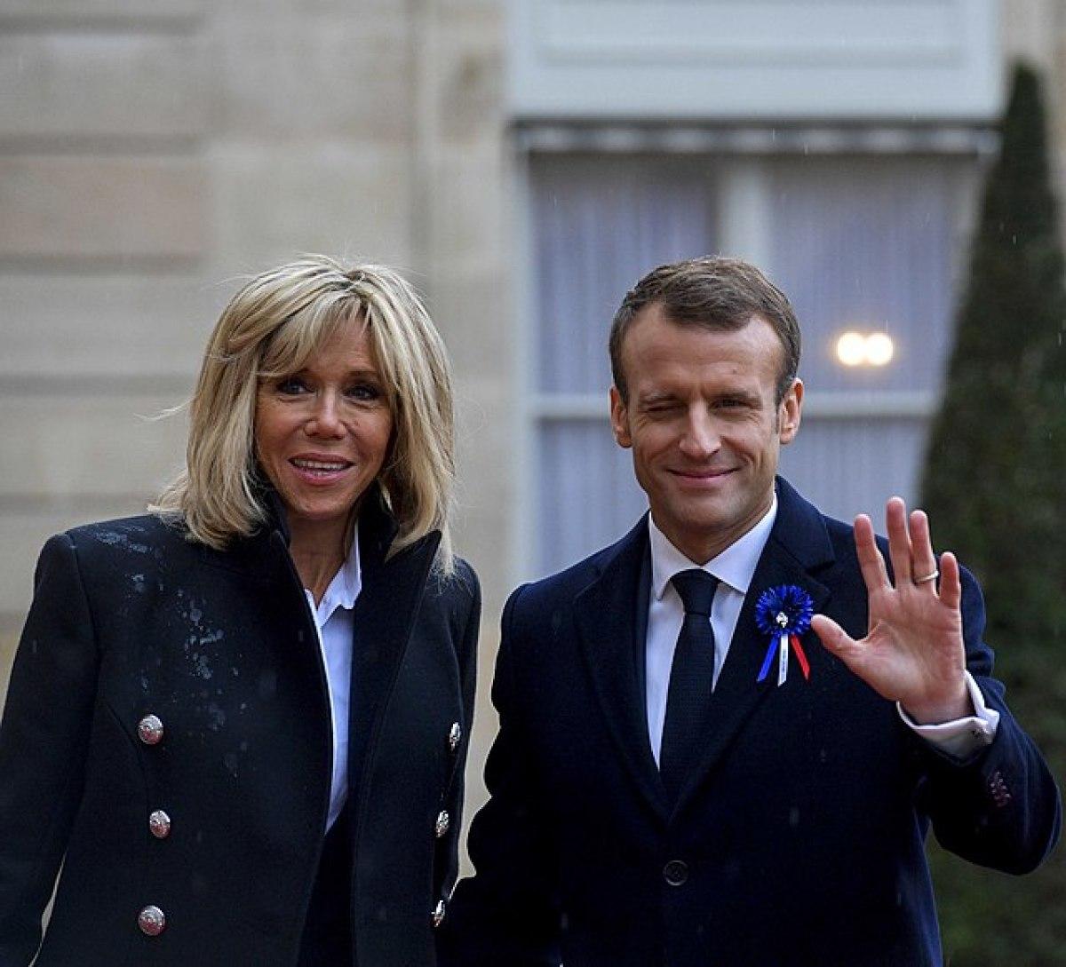 politique logement Macron  – photo du Président de la République française et de sa femme