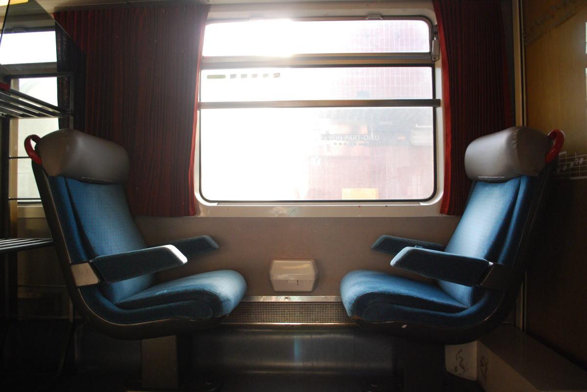 LGV Bordeaux-Toulouse – Sièges de train anciens